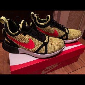 592b0e0ca5f nike Shoes - Nike women s sneaker size 8 (US)